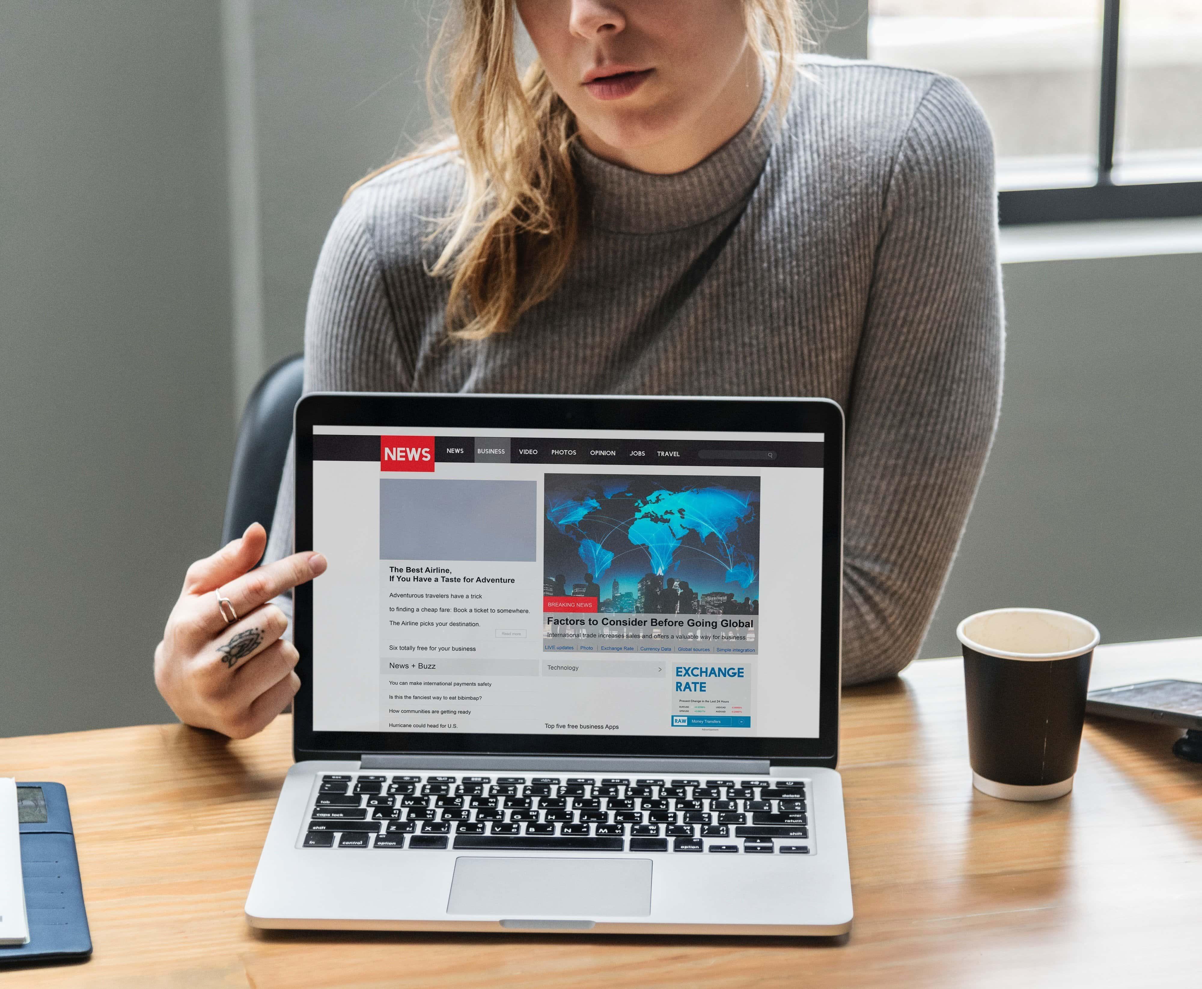 minimalist-news-social-media